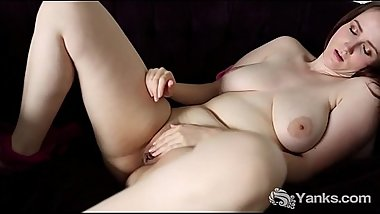 Busty Yanks Aeryn Walker Masturbating