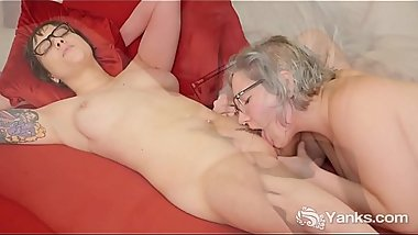 Yanks Clementine And Vi'_s Steamy Oral Action