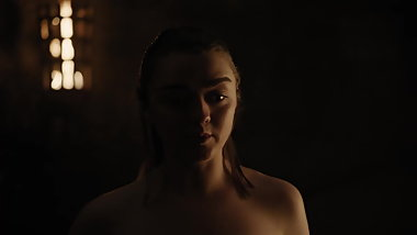 Maisie Williams Nude GoT 2019 s08e02