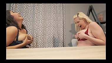 2 Lactating Milfs girl/girl breastfeed and taste each other. MILK PLAY HD