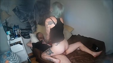 Hot Tattooed Amateur Girl Gives Hand Job and Blowjob