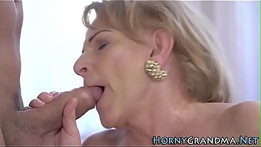 Mature woman fingered