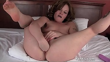 Horny Yanks Lori Loves Fisting