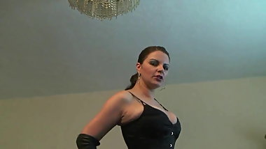 GERMAN LEATHER MISTRESS JOI