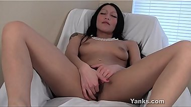 Yanks Rosalee in Pearls