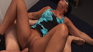 Granny fucked by the swingers