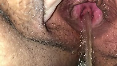 Up close HD pissing