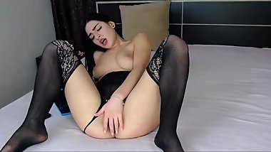 Gorgeous Romanin Brunette Orgasms On Live Show HD