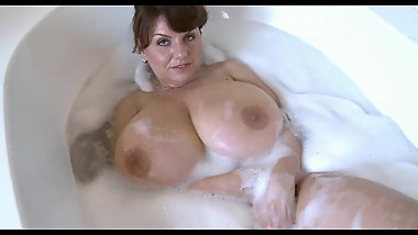 Milena V. Another Bathtub